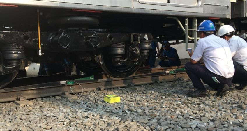 PT-Kai-Commuter-Kereta-Indonesia3